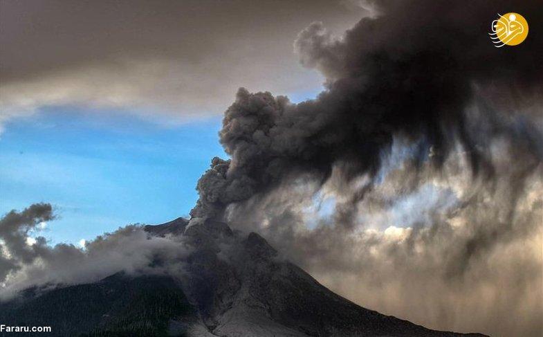 فوران آتشفشان جزیره سوماترای اندونزی + عکس
