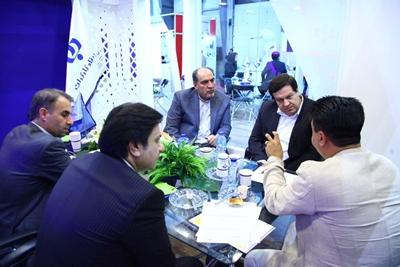بازدید عضو هیأت مدیره بانک رفاه کارگران از نمایشگاه های ایران هلث و اینوتکس