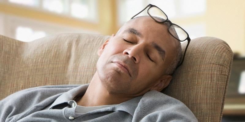 چرا دائم احساس خستگی و بی حالی دارم؟