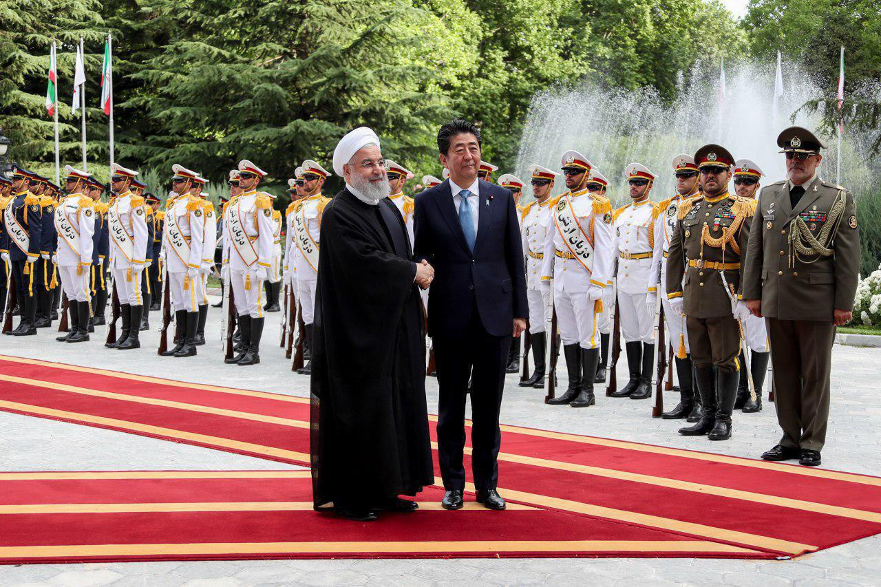 استقبال رسمی حسن روحانی از شینزو آبه + تصاویر
