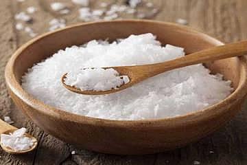 یکی از عوارض جدی مصرف نمک زیاد