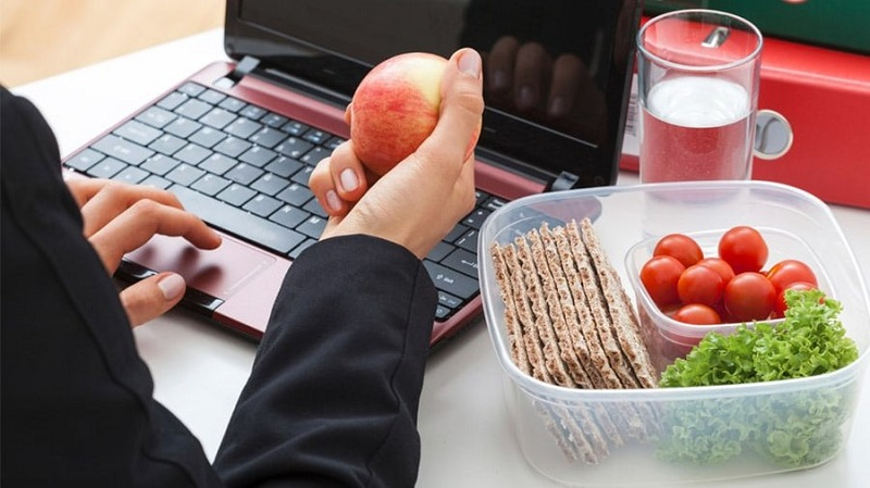 نکاتی مهم برای تغذیه در محل کار