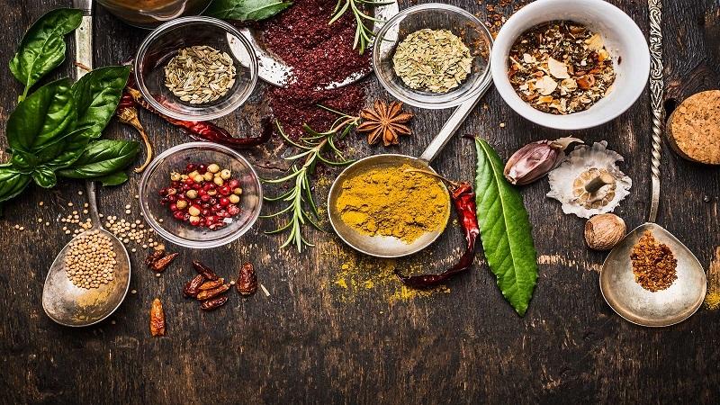 بهترین گیاهان دارویی که از پیری جلوگیری می کند