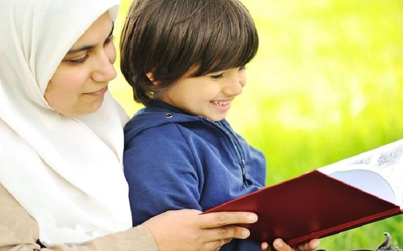 فرزندانتان را به سه چیز ادب کنید