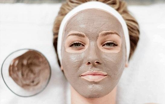 از بین بردن لک های صورت با استفاده از این ماده سنتی
