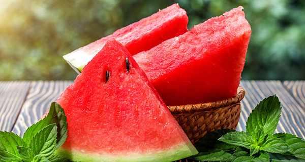 اگر هندوانه را با این روش استفاده کنید، خاصیت گوشت می گیرد