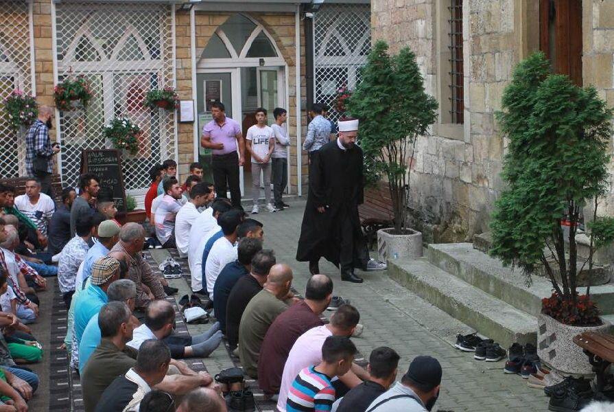 نماز عید سعید قربان در مسجد بزرگ بایراکلی بلگراد