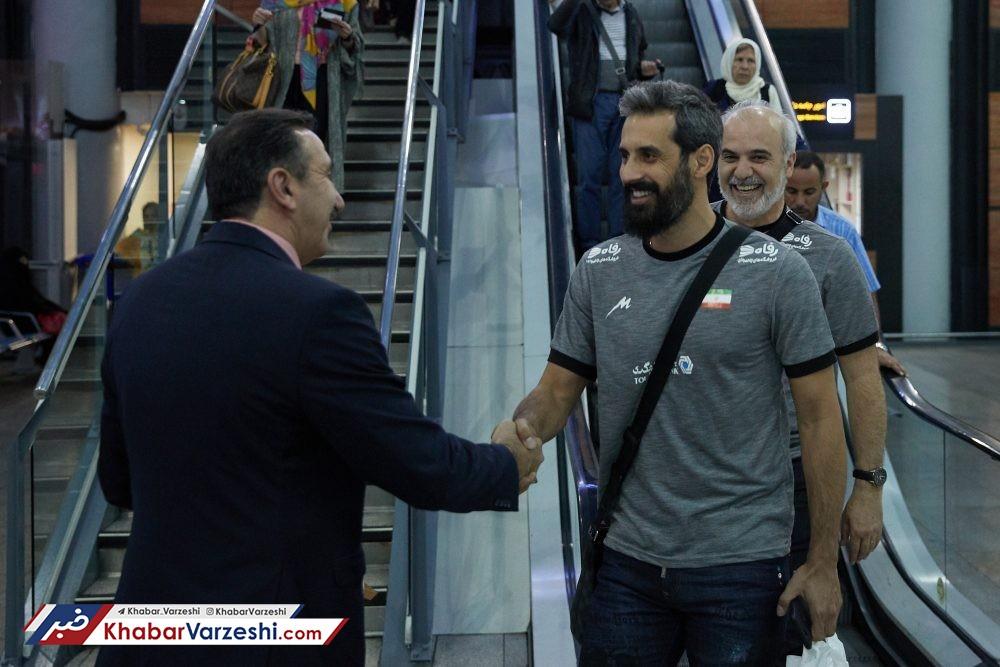 بازگشت کاروان تیم ملی والیبال ایران از روسیه + عکس