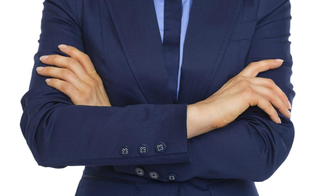 ۱۱ اشتباه رایج زبان بدن که نمیدانستید
