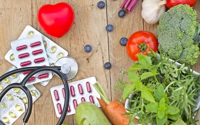 آیا میتوانیم بیماریها را به جای دارو با غذا درمان کنیم؟