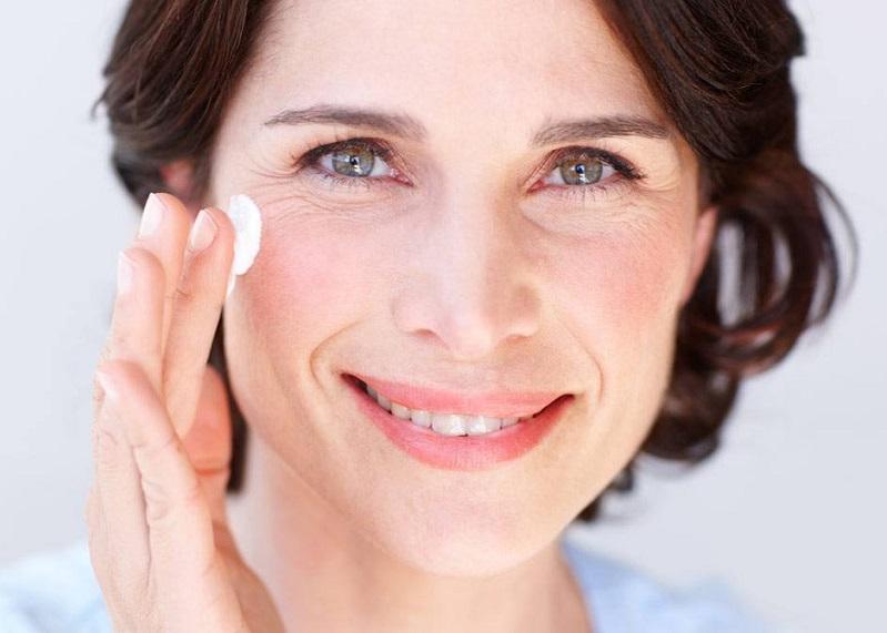 کرم های ضد چروک چطور روی پوست تاثیر می گذارد؟