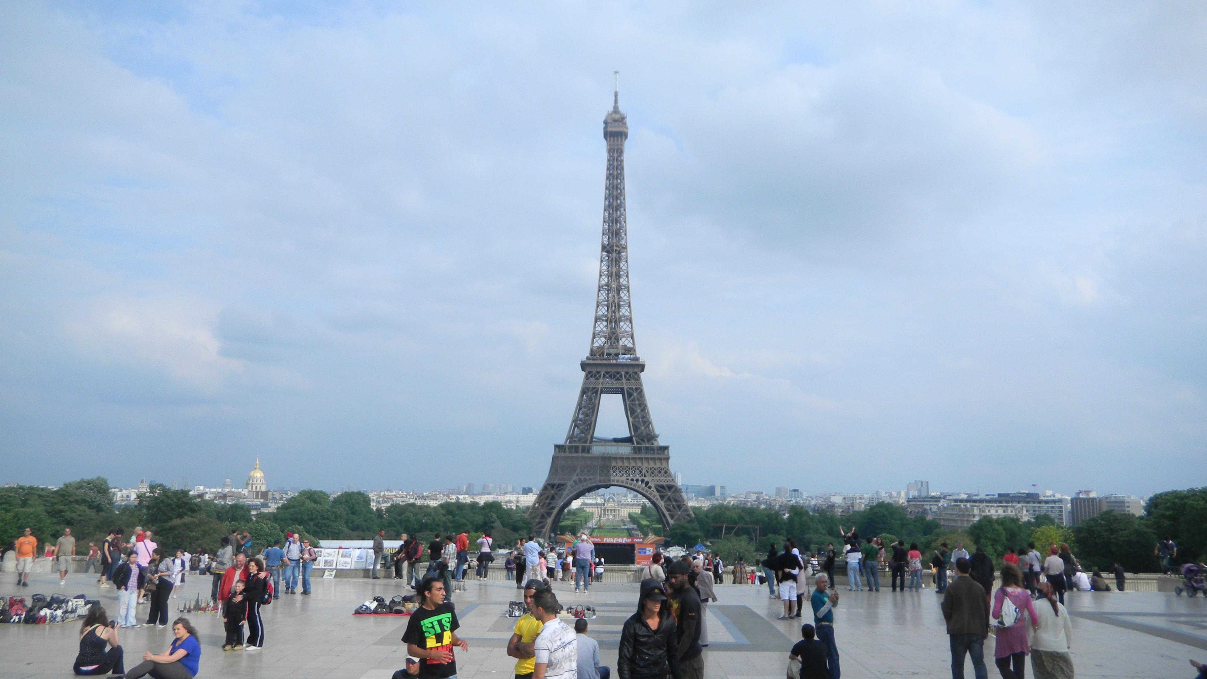 وزیر بهداشت فرانسه: شدت گرما در فرانسه جان یک هزار و پانصد نفر را گرفت