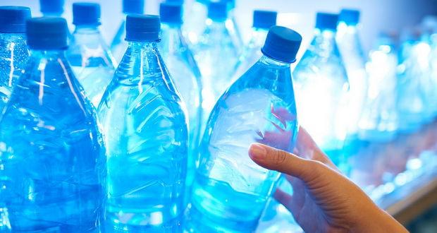 وجود ذرات پلاستیک در آب آشامیدنی