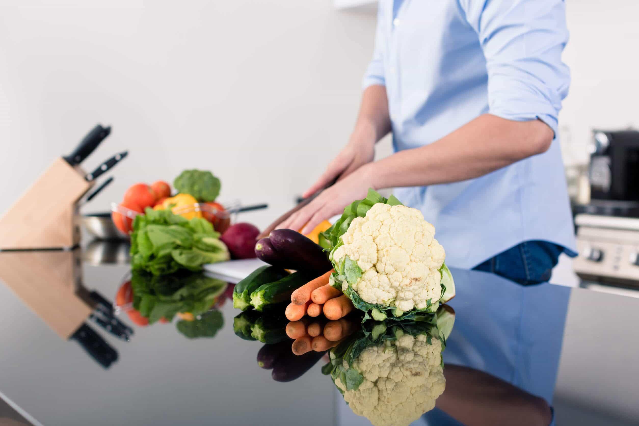 از این 4 سبزی میکروب کش غافل نشوید