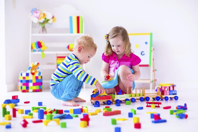 بازی با  اسباب بازی های قدیمی برای کودکان ممنوع