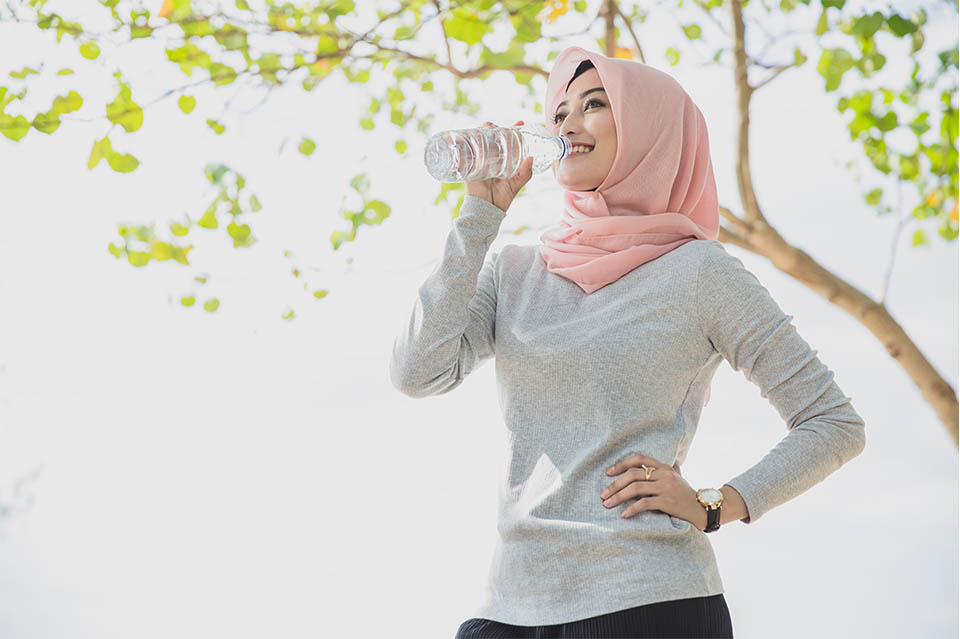 براي كاهش وزن چقدر آب بنوشيم؟ /ترجمه اختصاصي