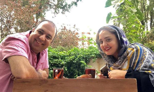 عصرانه خوردی علی اوجی و نرگس محمدی! + عکس