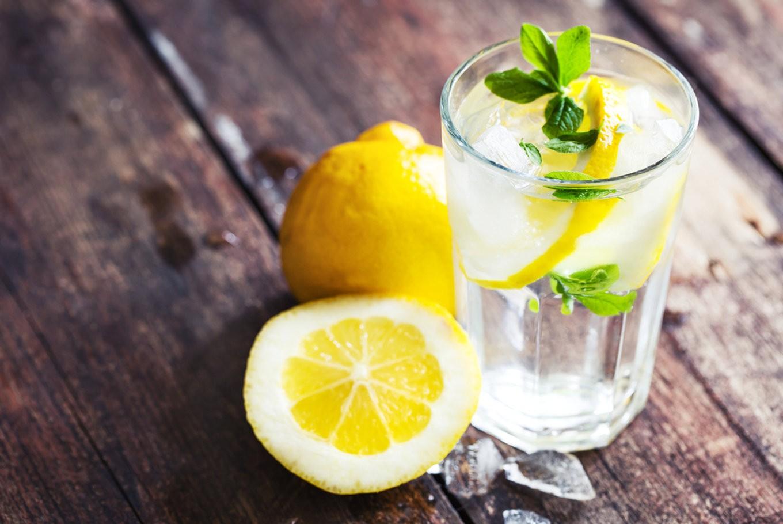 13 بیماری که با مصرف روزانه آب و لیمو درمان می شود