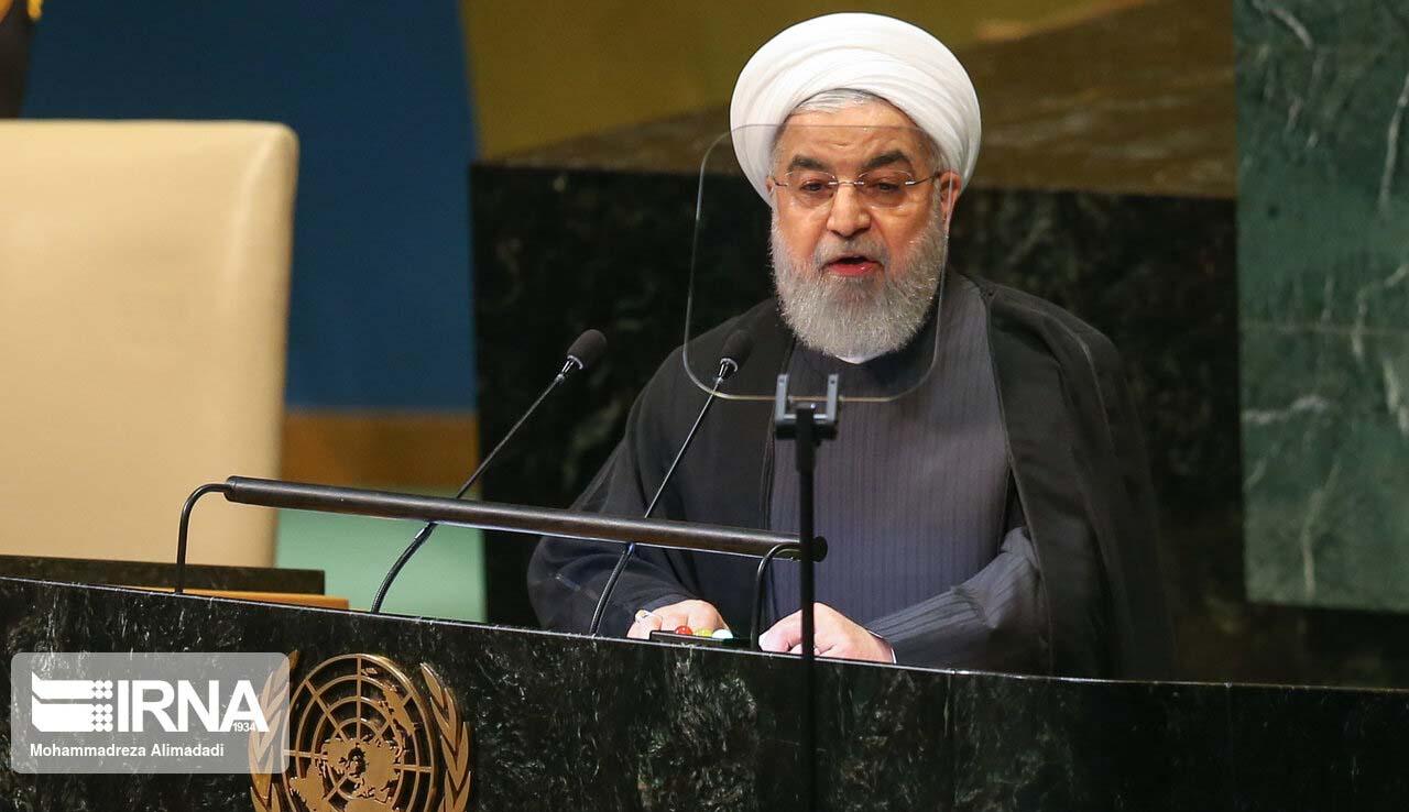 روحانی در تریبون مجمع عمومی سازمان ملل + عکس