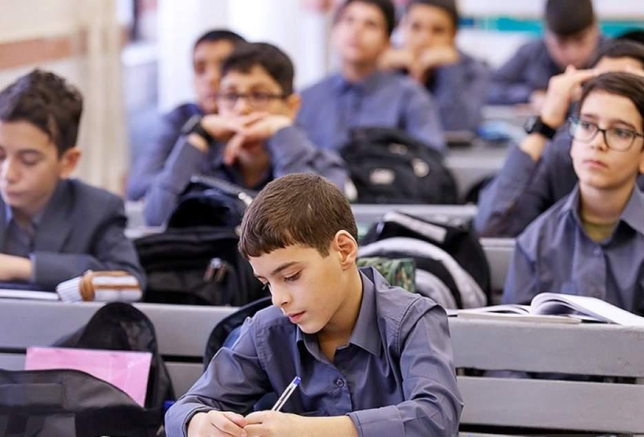 تشريح اقدامات وزارت بهداشت در گروه سني نوجوانان و دانش آموزان