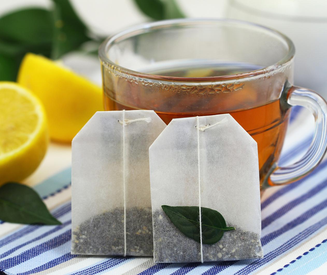 چگونه  از چايهاي كيسهاي چگونه براي بهبود پف زير چشم استفاده كنيم؟/ترجمه اختصاصي
