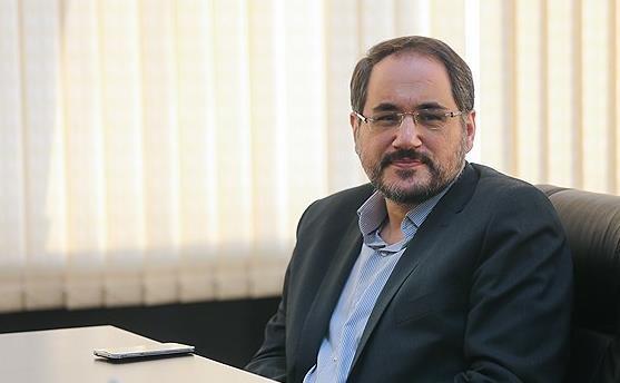 دومین گزارش عملکرد فصلی رئیس پژوهشگاه و باشگاه نخبگان به اساتید و کارکنان دانشگاه آزاد