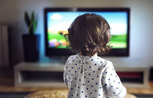 تماشای تلوزیون برای این کودکان ممنوع است