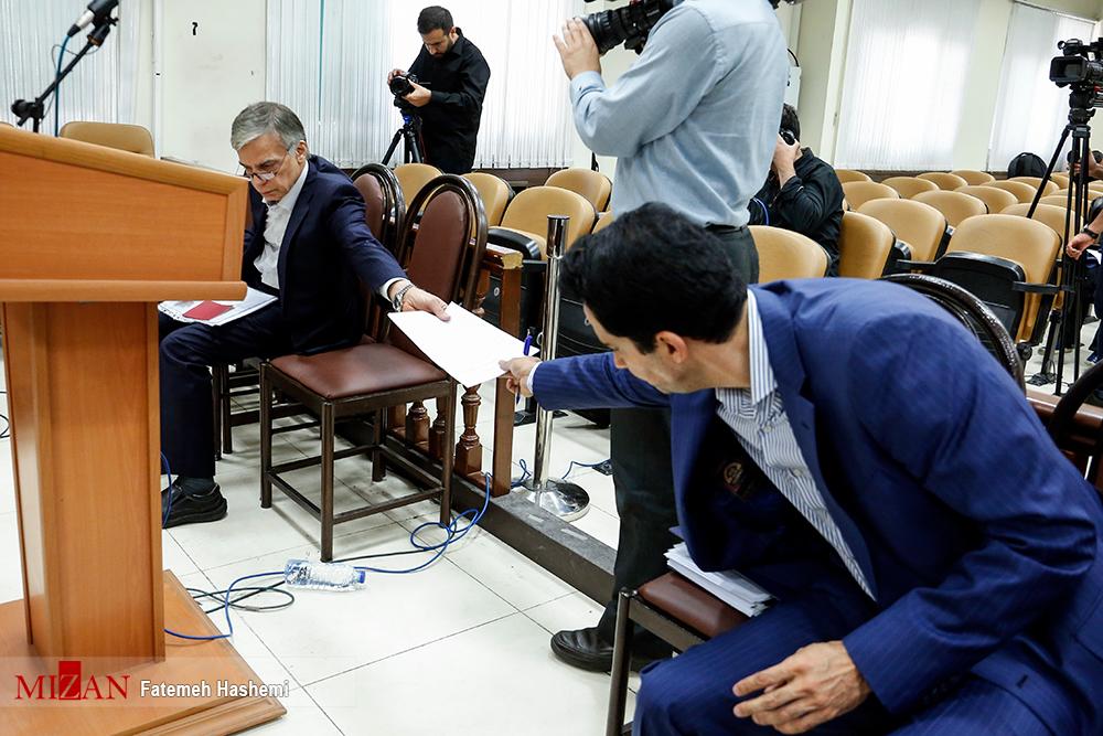 جدا کردن عباس ایروانی از سایر متهمان در دادگاه! + عکس