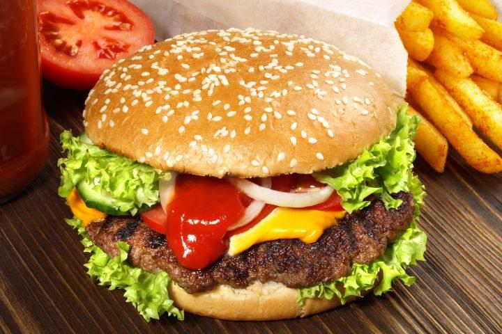 11 غذا که باعث  بسته شدن رگ هایتان می شود