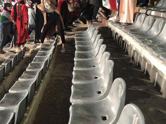 بانوان به مردان آداب ورزشگاه رفتن یاد میدهند + عکس