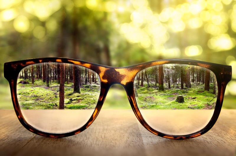 عینک را فراموش نکنید