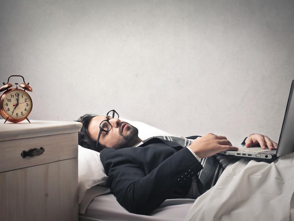 تنبلی فقط خوردن و خوابیدن نیست! ما چقدر تنبل هستیم؟