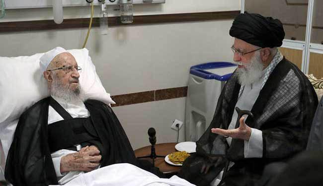 رهبر انقلاب از آیتالله مکارم شیرازی عیادت کردند + عکس