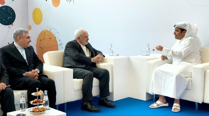 حضور وزیر امور خارجه قطربا دمپایی در دیدار با ظریف