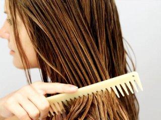 آيا خوابيدن با موهاي خيس واقعاً ضرر دارد؟