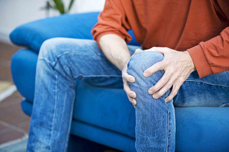 کاهش درد مفاصل با سنگ پا