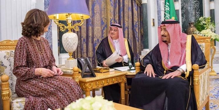 تصویر دیدار امروز رئیس سازمان اطلاعات مرکزی آمریکا  با ملک سلمان بن عبدالعزیز پادشاه عربستان سعودی