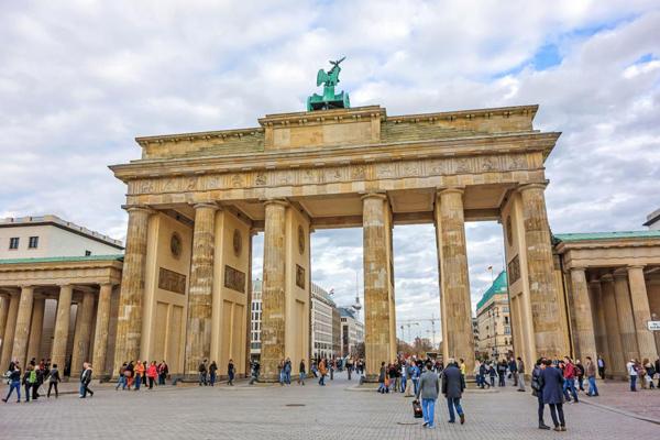 آلمان ۳۰ سال پس از فروپاشی دیوار برلین چقدر متحد است؟