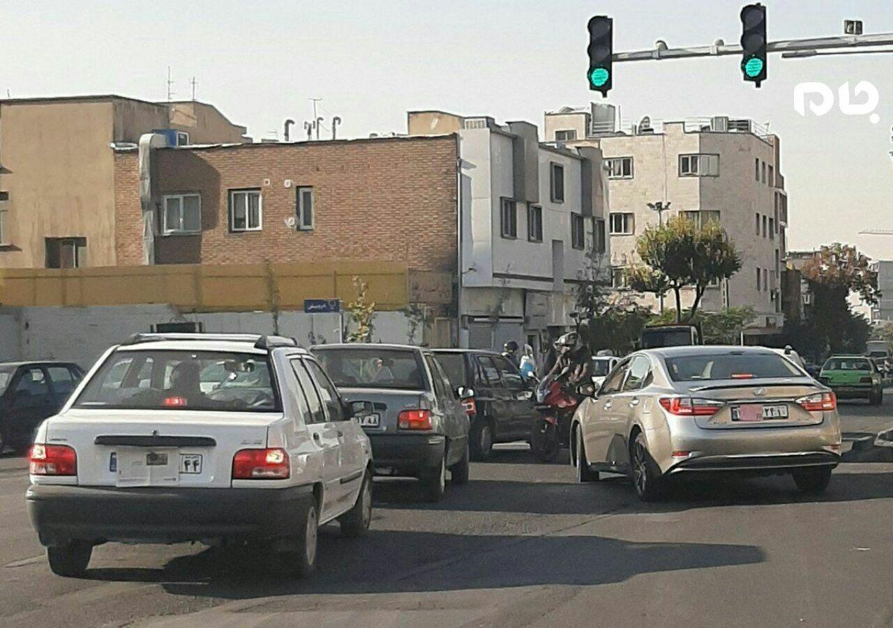 تخلف خودروی میلیاردی در طرح ترافیک! + عکس