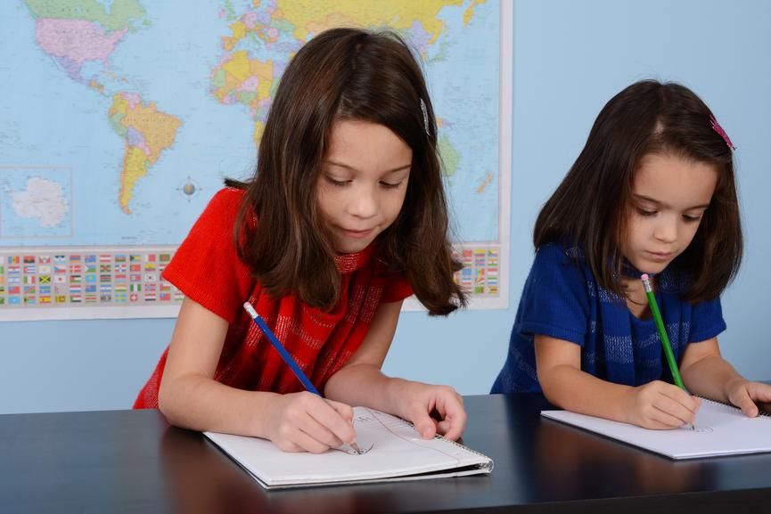 چگونه کودک با ادبی داشته باشیم؟