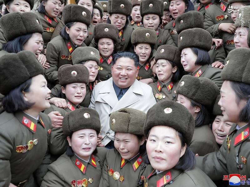 بازدید رهبر کره شمالی از بانوان سرباز ارتش + عکس