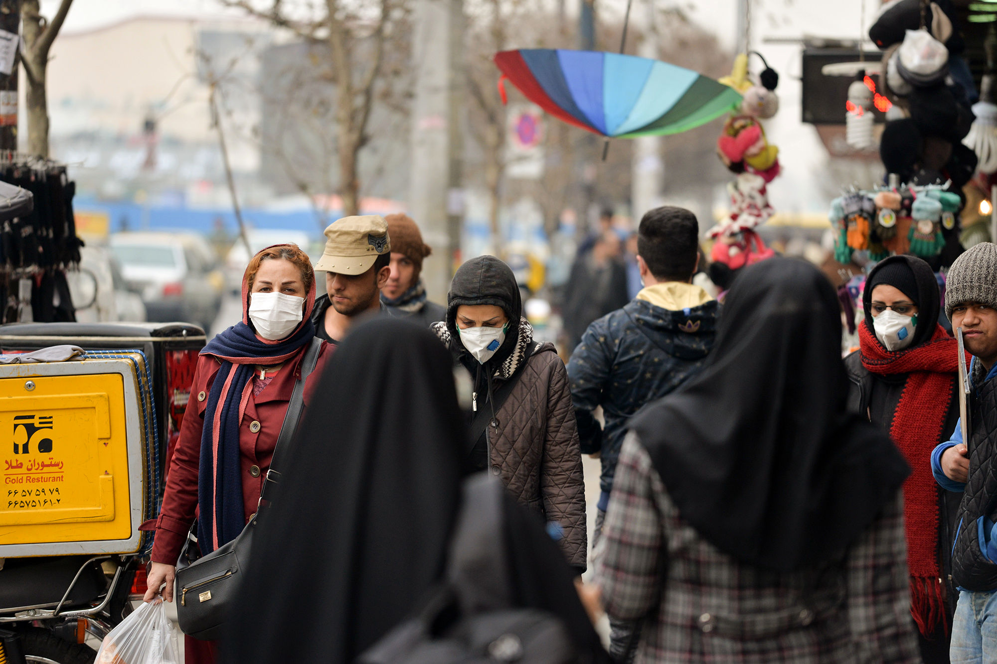 افزایش آگاهی مردم مهم ترین روش مقابله با کرونا ویروس است/ گران فروشی ماسک وجود ندارد