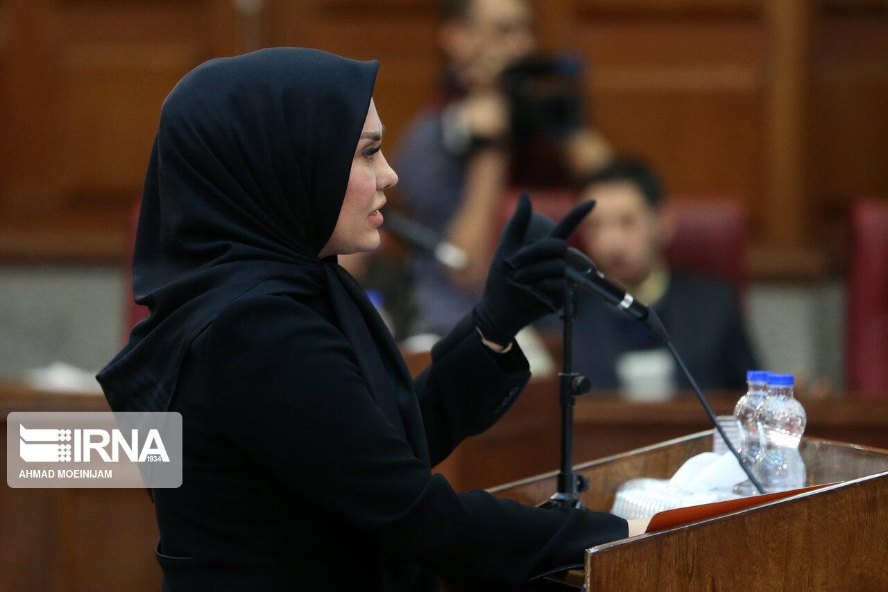 این زن وکیل محمد علی نجفی است + عکس