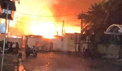 آتش زدن دوباره کنسولگری ایران در نجف + عکس