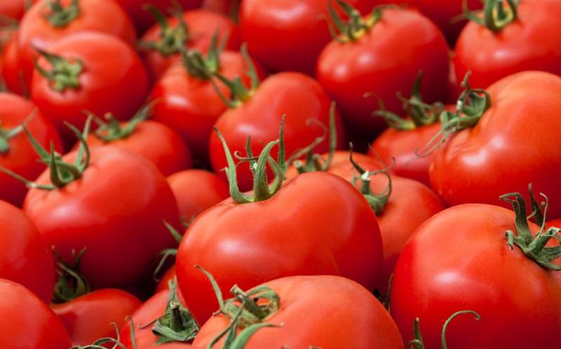 سه عدد گوجه ۶ هزار تومان! + عکس