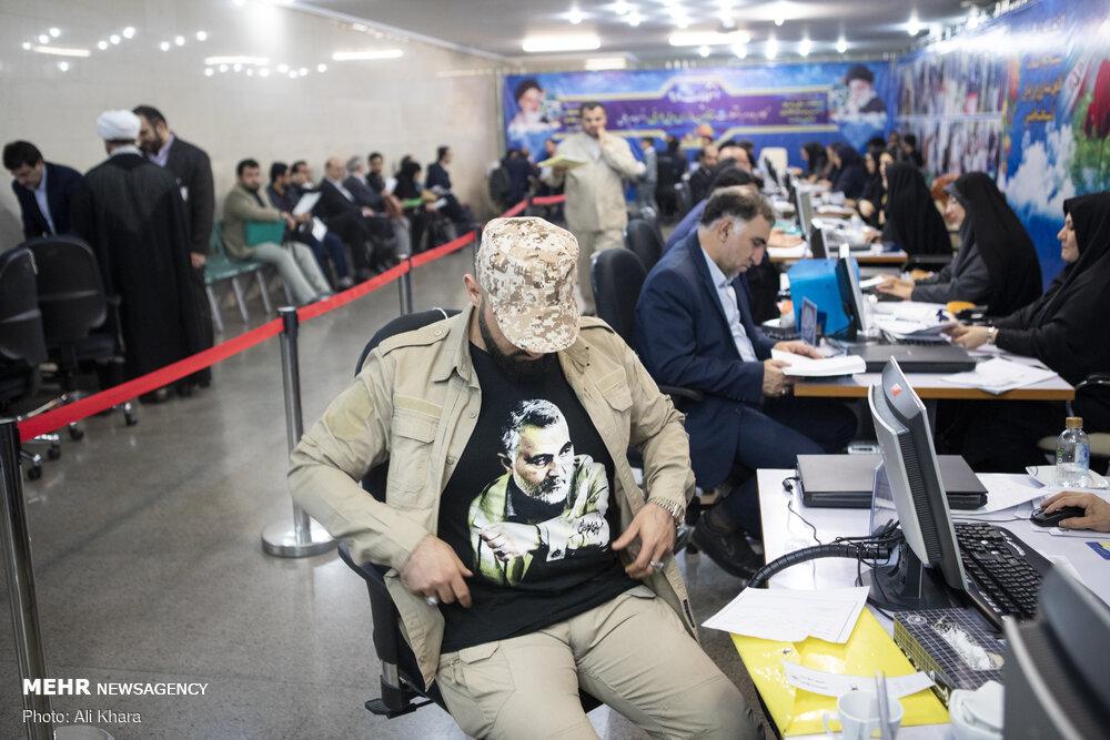 سردار سلیمانی روی پیراهن یک کاندیدای انتخابات! + عکس