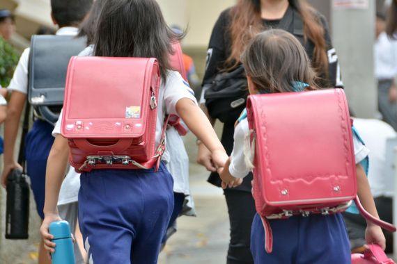 صبح زود به مدرسه رفتن برای کودکان خوب نیست