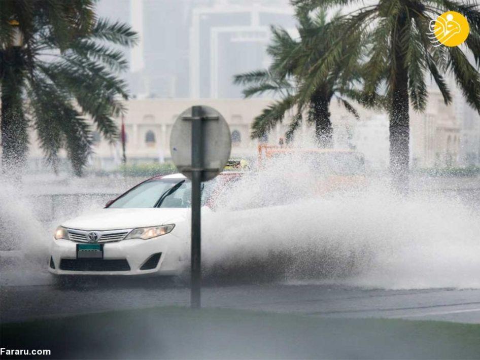بارش باران و جاری شدن سیل در امارات +عکس
