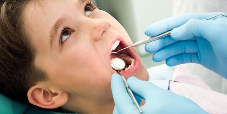 چه زمانی دندان و فک «کودک» را معاینه کنیم؟
