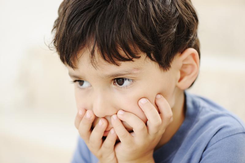 علائم افسردگی در کودکان؛ از پرخوری تا خودکشی